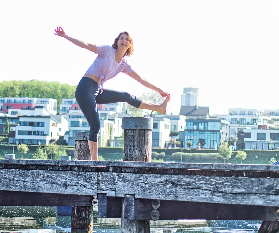 Yoga bei Rock Your Yoga - rockyouryoga.de - Online Live Yoga Streaming Kurse